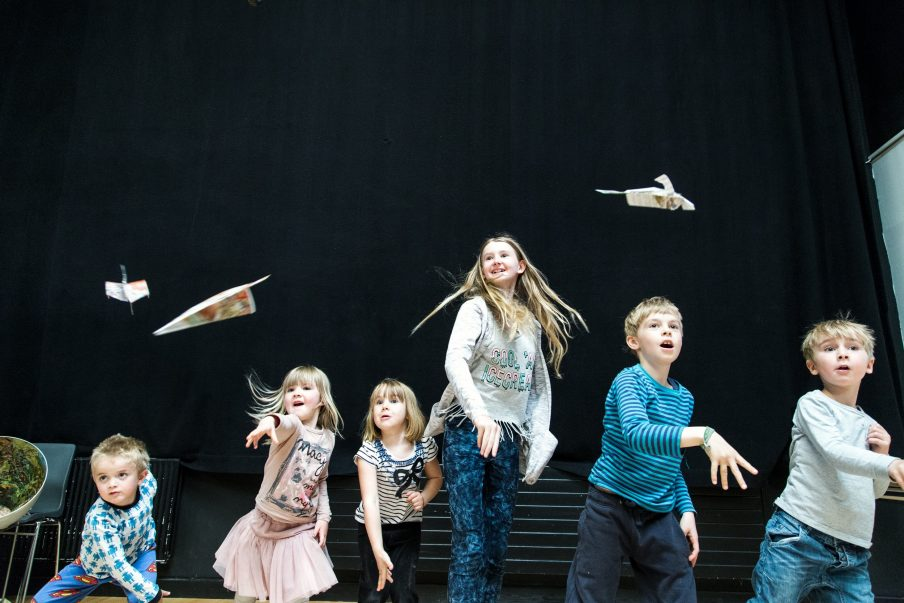 FOLD & FLY: Workshop for kids (4-12 years)