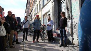 Cykel-tour: Guidet cykeltur mellem udstillingssteder på Nørrebro