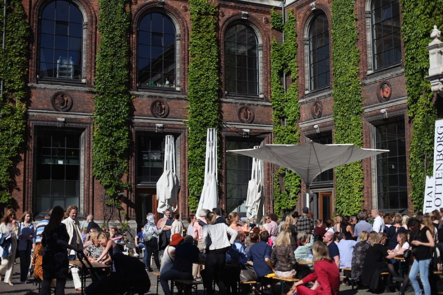 Official Opening Party på Charlottenborg