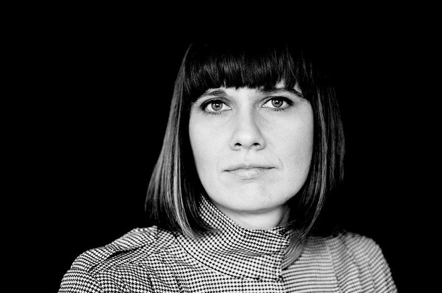 Remmen-nominerede Kirsten Astrup: kabaretkunst og forførende samfundskritik