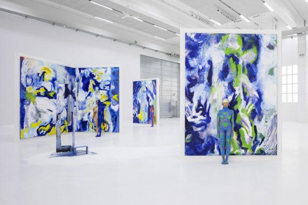 Donna Huanca: Lengua Llorona, 2019. Udstillingsview Copenhagen Contemporary. Foto: Anders Sune Berg