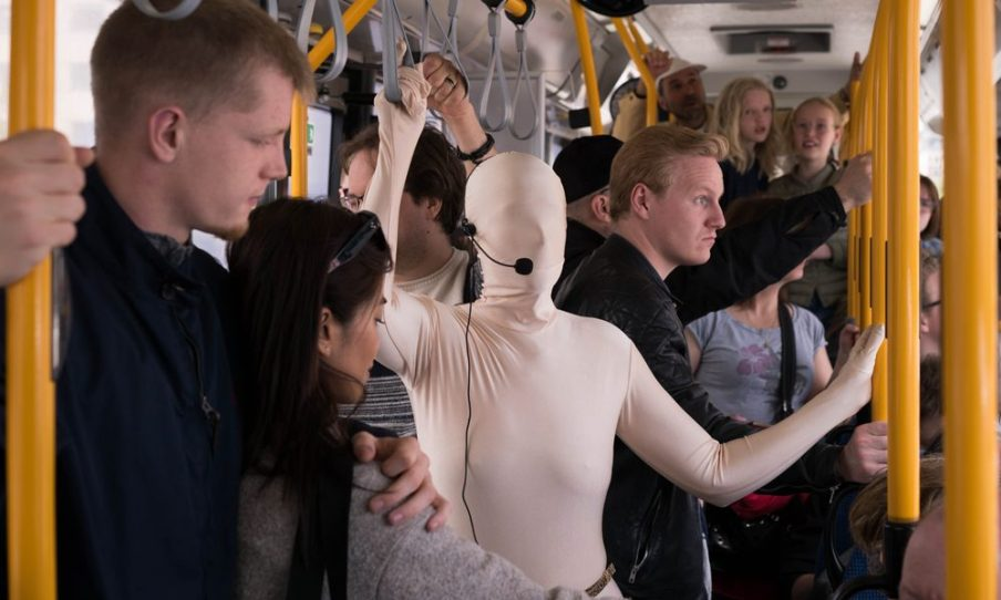 In collaboration with different institutions, we strive to integrate art in the city's infrastructure. In 2019 we, in cooperation with Copenhagen Contemporary and Glyptoteket, arranged a performative tour with artist Nanna Lysholt Hansen on one of the inner city bus lines. Photo: Christian Brems.